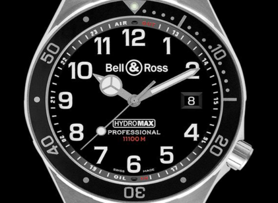 如何修复柏莱士手表上的划痕?