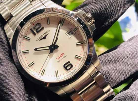 朗格手表电池更换与电池寿命