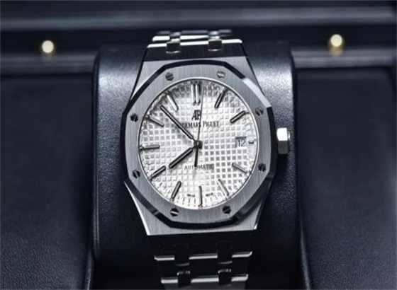 爱彼手表保修的优点是什么,如何识别假冒产品呢?