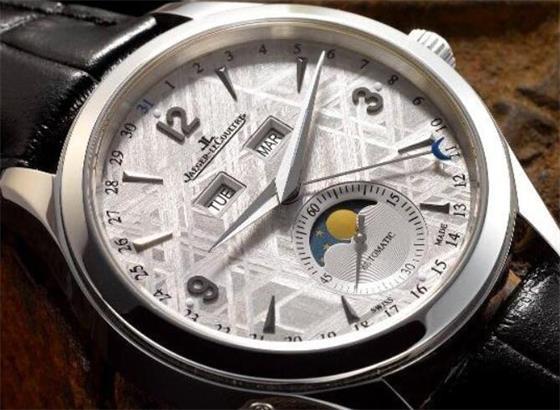如何积家腕表去除表盘内部的水分