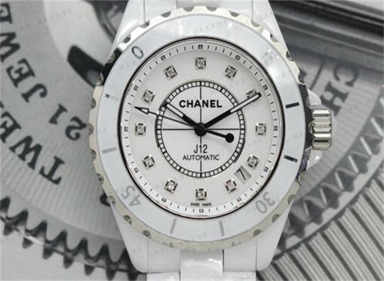 定期清洁香奈儿手表的好处