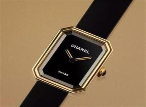 香奈儿AW590手表的使用说明
