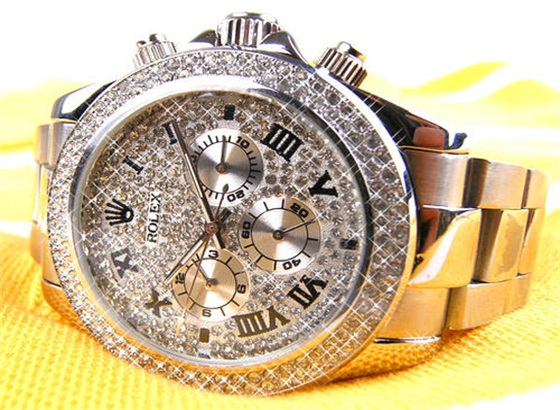 劳力士自动手表可以使用手动上发条吗