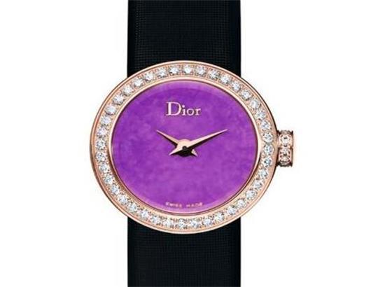 迪奥腕表使用的钟针大小