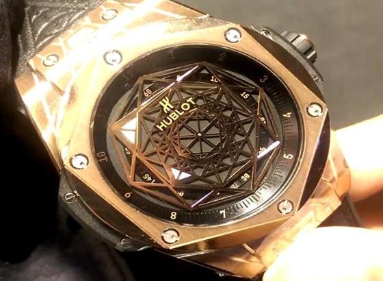 宇舶手表上卸下表带