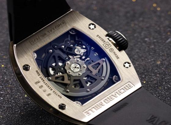 如何抛光不锈钢里查德米尔腕表