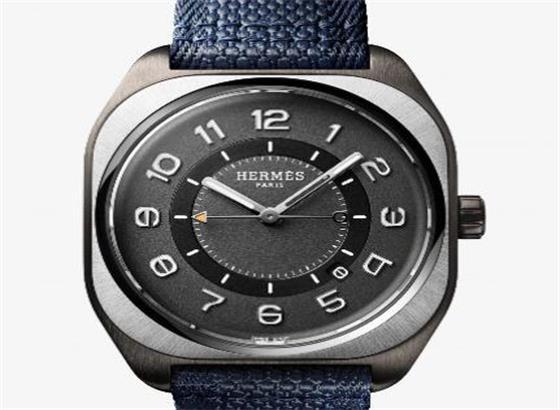 爱马仕(Hermès)靠垫形H08钛金属打造动感十足