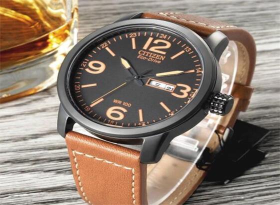 西铁城腕表设置时间和闹钟
