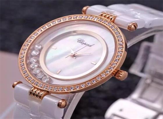 萧邦手表更换表带或手链