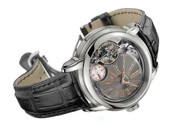 如何更换爱彼手表的表带扣?