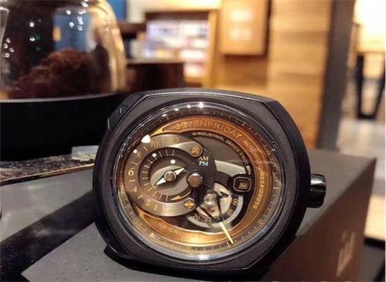 手表维修如何给七个星期五手表上油