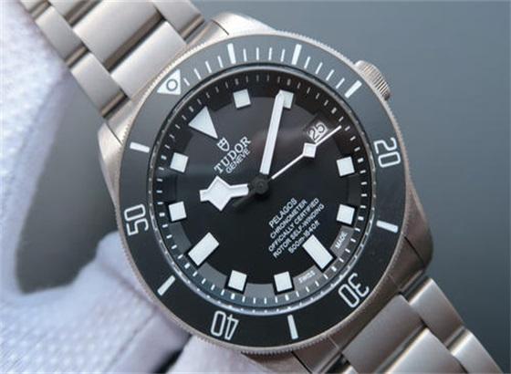 帝舵手表的表带出现划痕怎么修复?