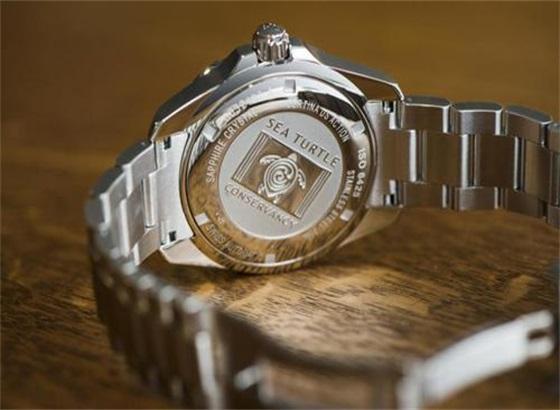 雪铁纳手表怎样换电池