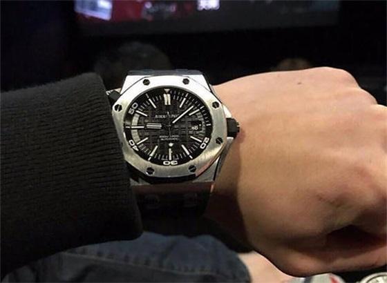 爱彼手表调整时间日期的方法