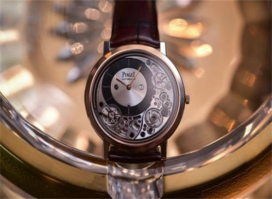 抛光伯爵手表需要多长时间?