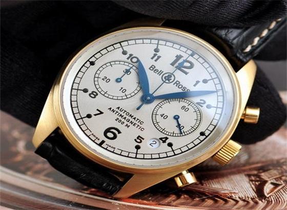 柏莱士手表更换电池步骤