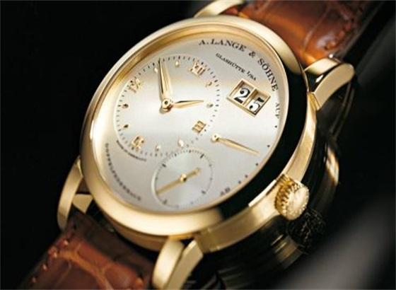 朗格手表表壳和表带是镀金的,有划痕该怎么处理?